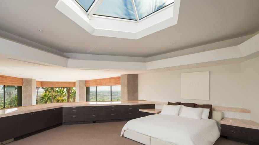 Boat-House-Master-Bedroom-aec09afda04b6510VgnVCM100000d7c1a8c0____
