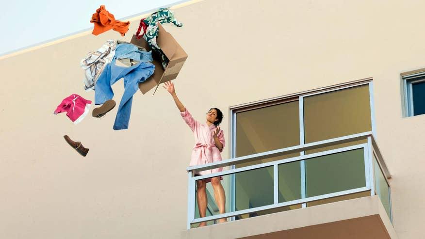throwing-clothes-over-balcony-f65c236c538c6510VgnVCM100000d7c1a8c0____