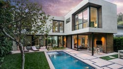 Mod alert! We spoke with Ron Radziner of Marmol Radziner about one of the firm's newest projects, a beautiful California Modern in Brentwood. The post Design Firm Marmol Radziner's Must-See Modern Marvel in Los Angeles appeared first on Real Estate News and Advice - realtor.com.
