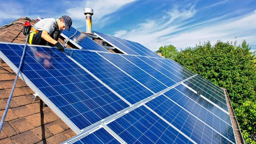 solar-panel-installation-4a870fe8afbd6510VgnVCM100000d7c1a8c0____