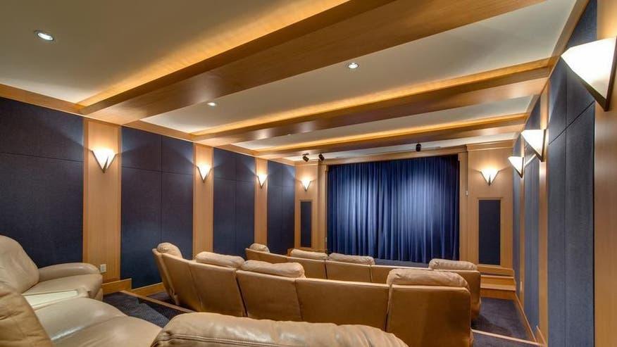 Reba-McEntire-theater-0935e3f8d75e6510VgnVCM100000d7c1a8c0____