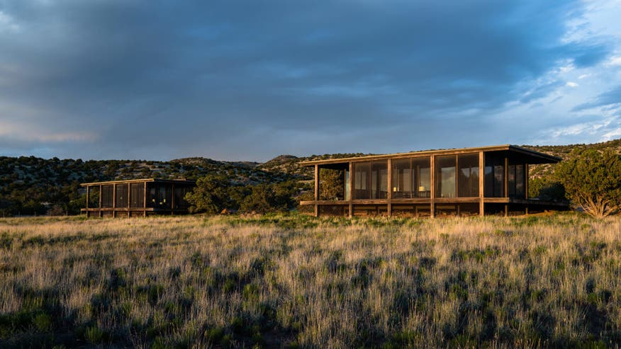 Tom-Fords-Ranch-mangagers-house-e14-31f5b5054b7f6510VgnVCM200000d6c1a8c0____