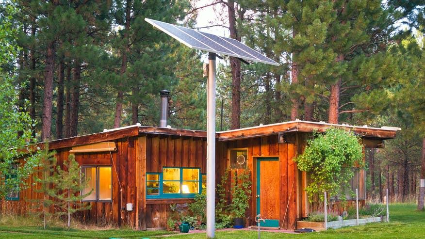 live-off-grid-house-solar-ac0c17e7189f6510VgnVCM100000d7c1a8c0____