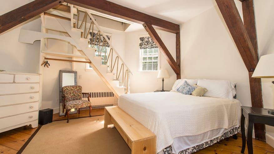 Windmill-Home-Master-Bedroom-e14734-f490c1b608017510VgnVCM100000d7c1a8c0____