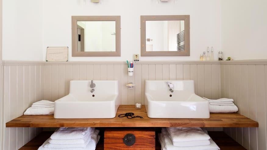 organized-bathroom-4bf8a7203fd17510VgnVCM100000d7c1a8c0____