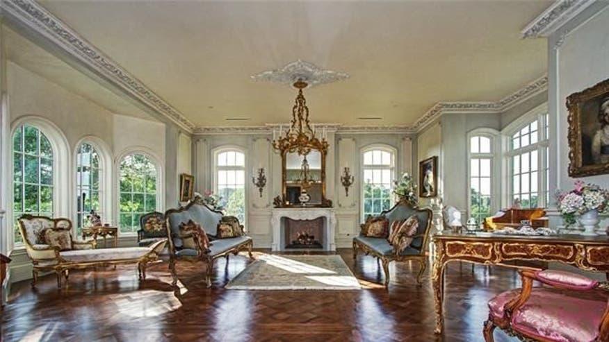 Grand-living-room-ccfe62f510a27510VgnVCM100000d7c1a8c0____