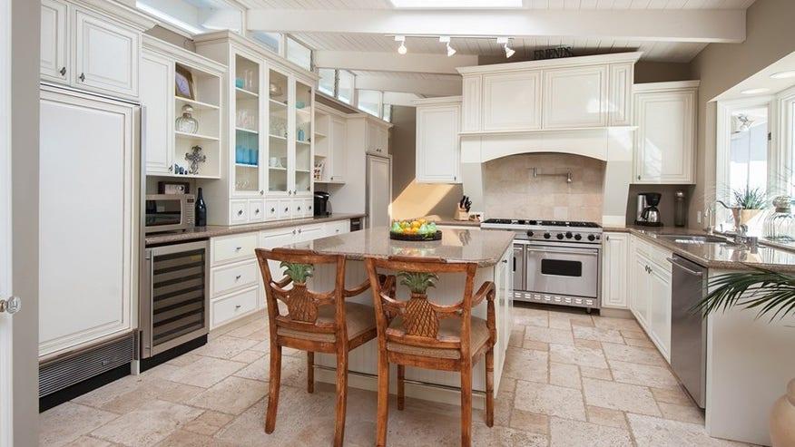 Malibu-kitchen-249511d806667510VgnVCM100000d7c1a8c0____
