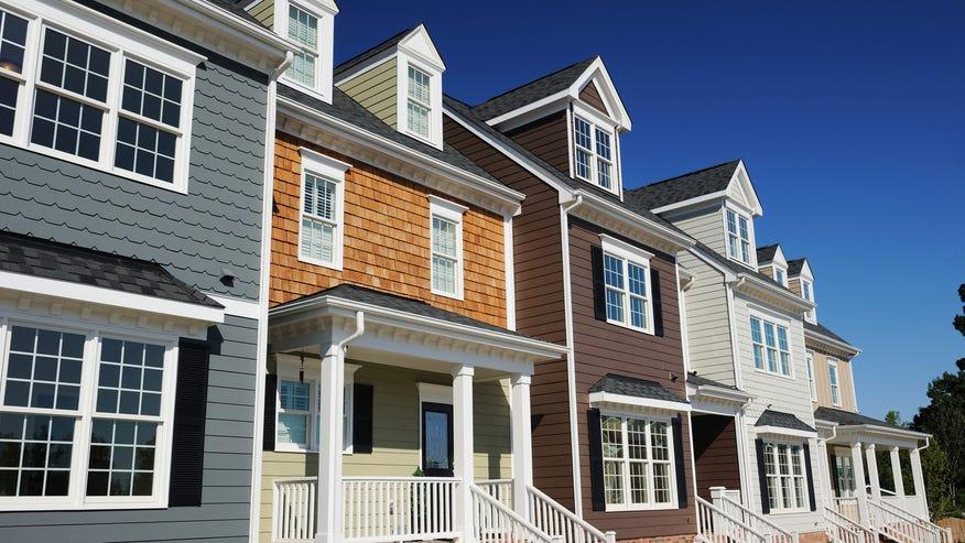 townhouses-192280a4223e7510VgnVCM100000d7c1a8c0____