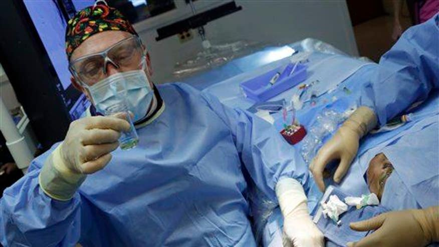 Man volunteers for world's first head transplant