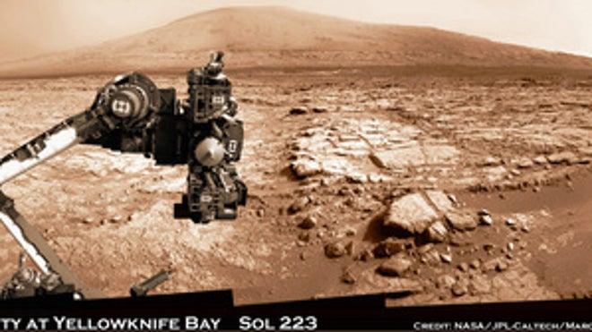 Stunning Mars panorama captures Curiosity rover at work ...