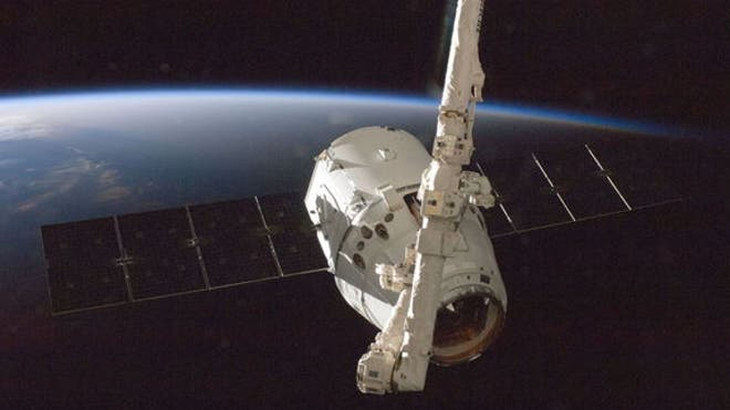 dragon-capsule-grapple-iss