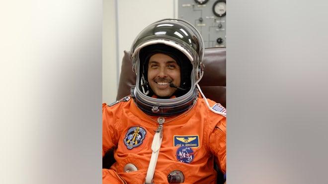 father jose hernandez astronaut - photo #39