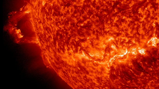 monster-sun-prominence-nov-16-2012-sdo1