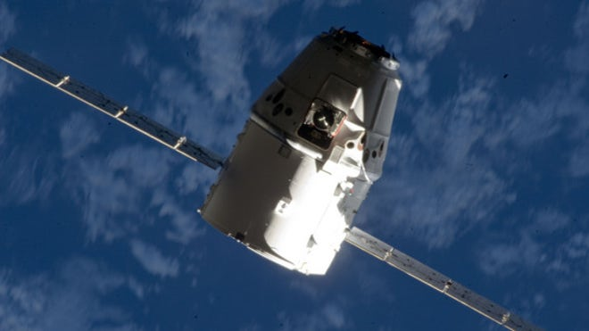 spacex-dragon-iss-6