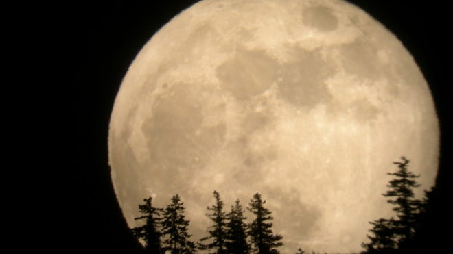Supermoon will rise in weekend night sky