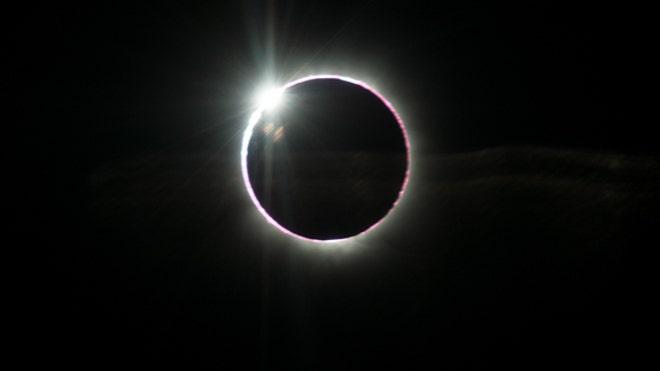 total-solar-eclipse-2013-diamond-ring-ben-cooper-flight