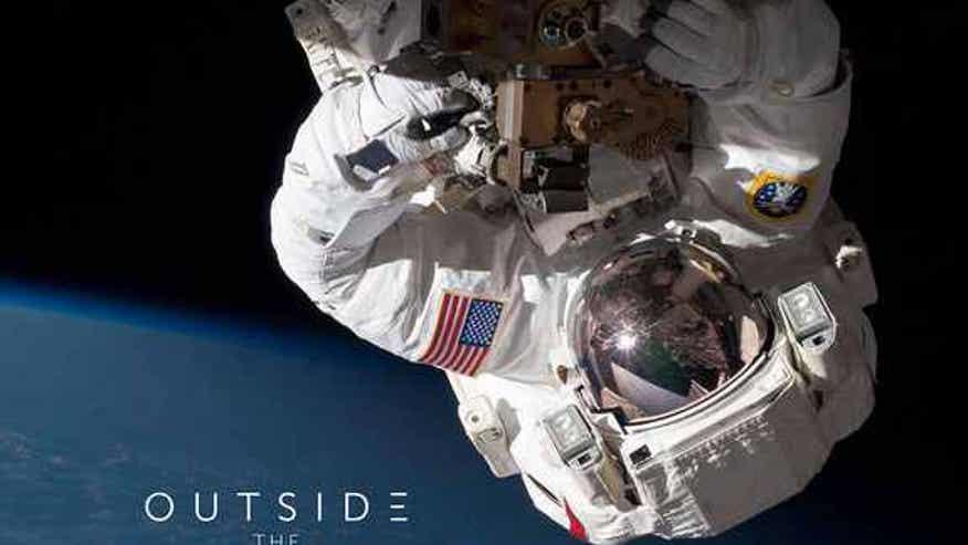 spacewalk50-smithsonian-exhibit01