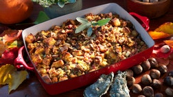 Celebrity chefs from Chicago, Louisville and Hawaii share their favorite stuffing recipes for the holidays.