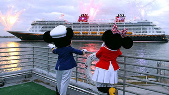 disney dream cruise arrives