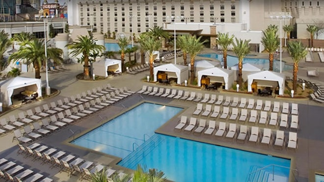 Las Vegas S Most Amazing G Rated Hotel Pools Fox News