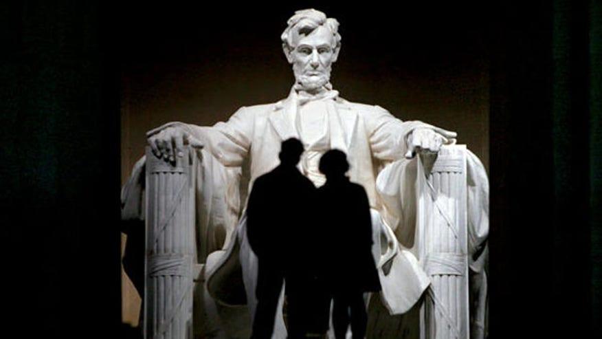 0124-DYEMMA-Lincoln-Memorial_full_600.jpg