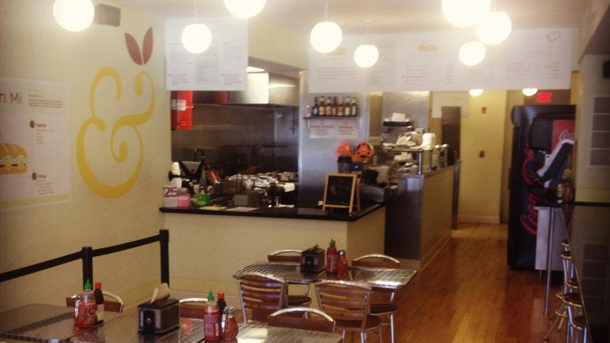 Interior_dining_room.jpg