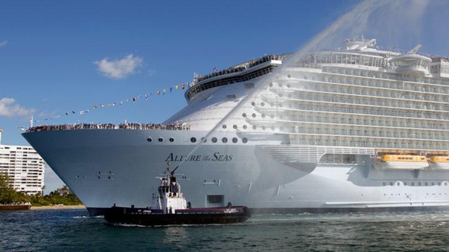 Royal Caribbean Cruise Ship, 640x360