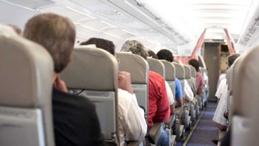 airlinepassengeri33.jpg