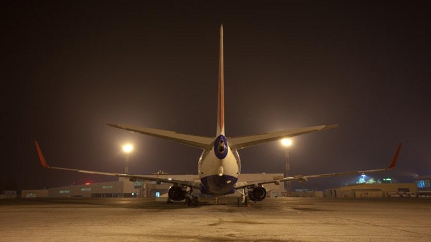 airplanenight_istock.jpg