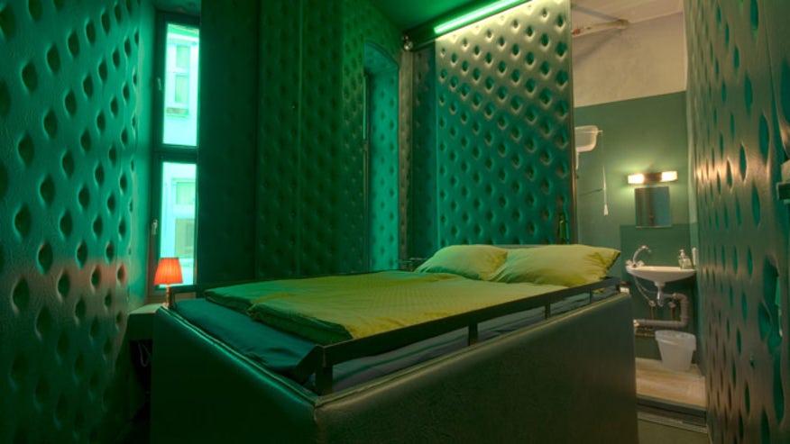 berlin_bizarrehotels.jpg