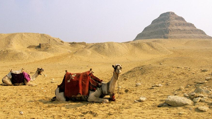 cairo-saqqara-pyramid.jpg