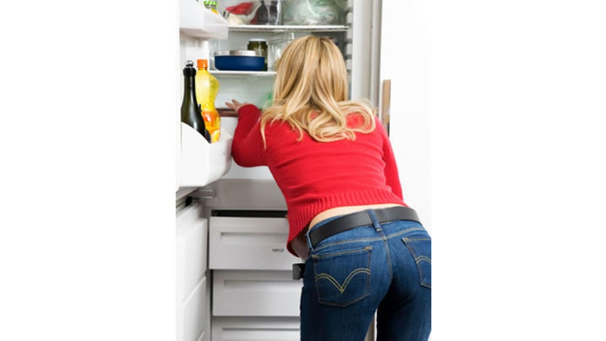 cleaning-out-fridge_istock.jpg