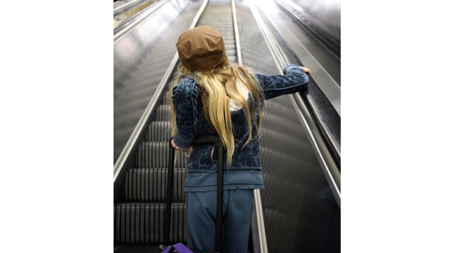 girlairport.jpg