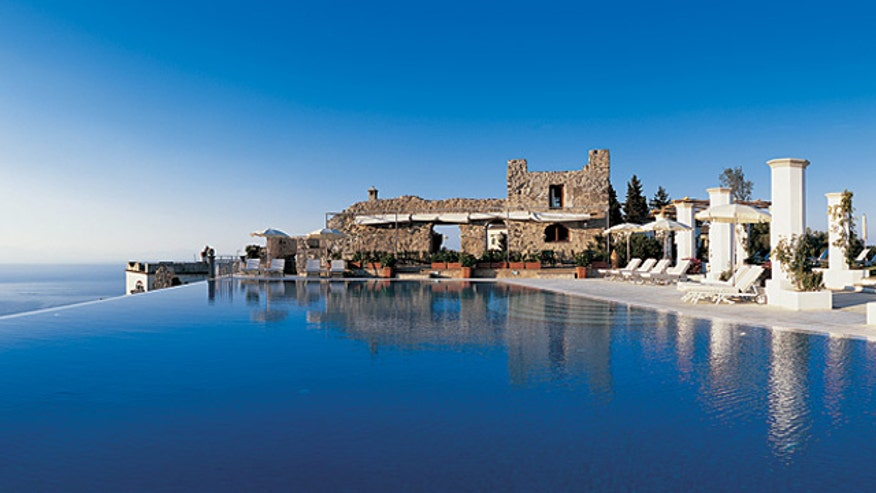 The world 39 s most amazing hotel pools fox news for Amazing hotels of the world