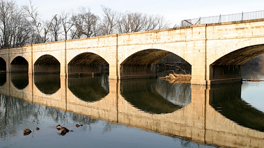 less_known_aquaduct.jpg