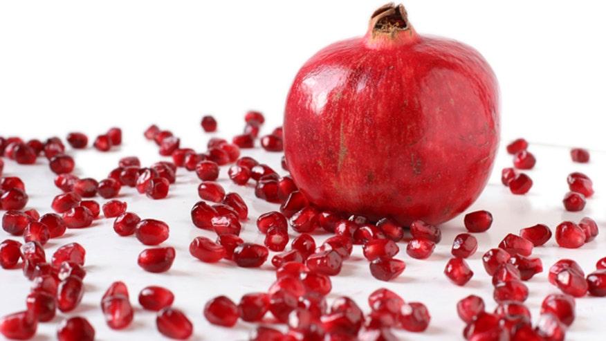 pomegranateandseedsistock.jpg