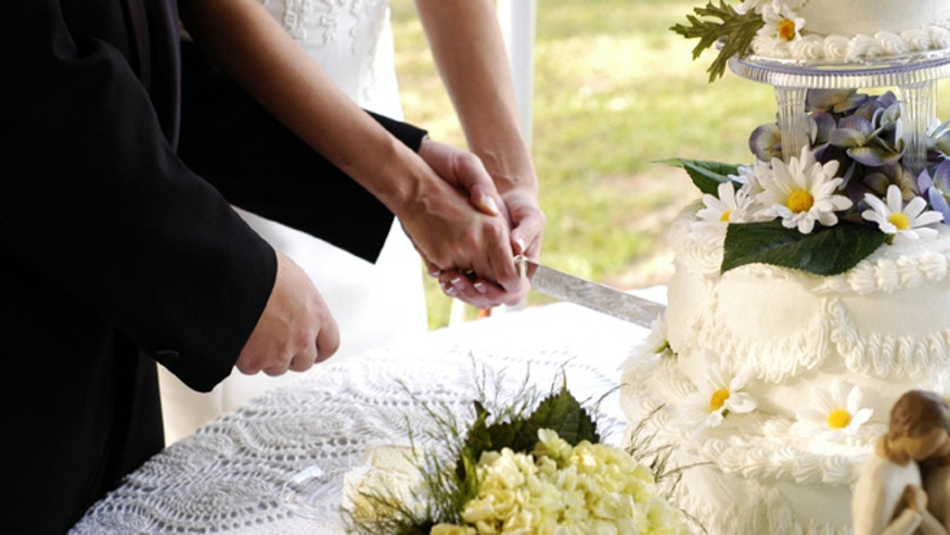 weddingcuttingcake.jpg