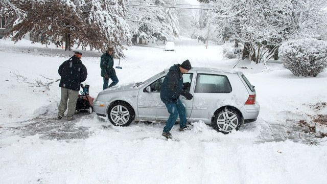 Snow turns to rain, ice a concern after deadly storm slams Northeast