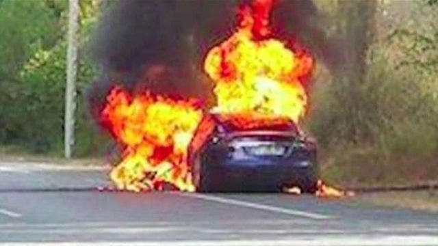 Video captures Tesla fire in France | Fox News