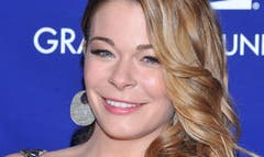 LeAnn Rimes' mother is itching to have a granddaughter.
