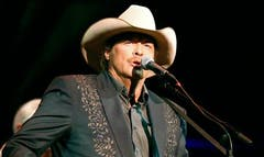 Alan Jackson's Keepin' It Country Tour was so successful last year that he's extending it into , bringing special guest Lauren Alaina along for the fun.