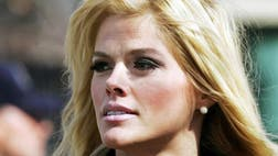 An appellate court says a trial judge erred in dismissing conspiracy convictions against Anna Nicole Smith's psychiatrist and manager at the end of a contentious trial centering on celebrities' use of prescription drugs.