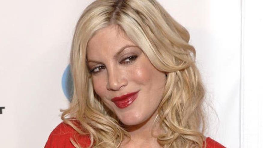 Dean mcdermott has been accused of cheating on tori spelling his