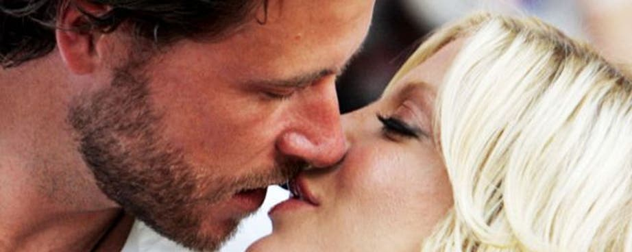 Tori Spelling's new Lifetime reality show True Tori is delving into her husband Dean McDermott's cheating scandal, and Tori's not holding back any details. I miss having my best friend, said a tearful Tori on her way to see Dean in rehab.