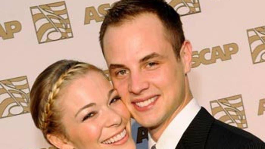 Marital Infidelity Dating Agency Offers LeAnn Rimes Free Lifetime ...