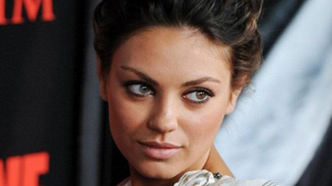 Mila Kunis Preparing for Steamy Sex Scene With Natalie Portman?