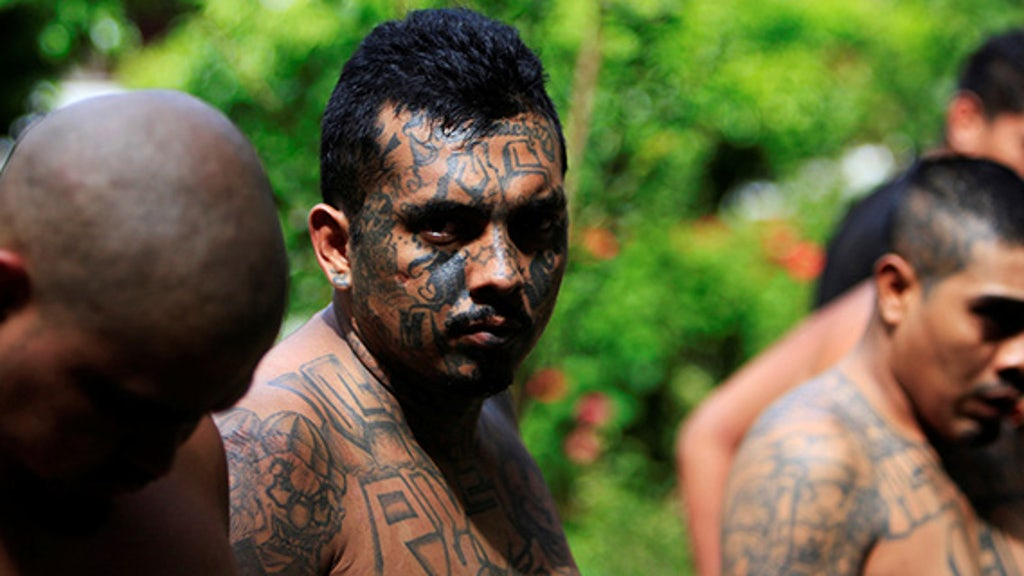 MS-13 gang leaders tell members to blend in … by changing sneakers