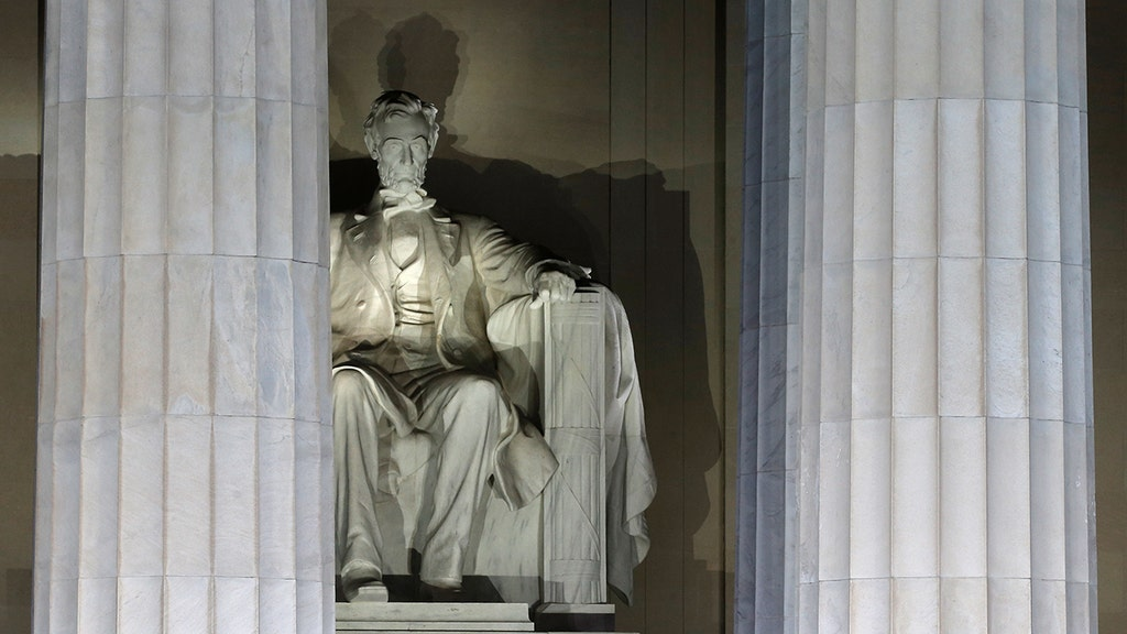 Foreign student vandalizes Lincoln Memorial with penny, police say