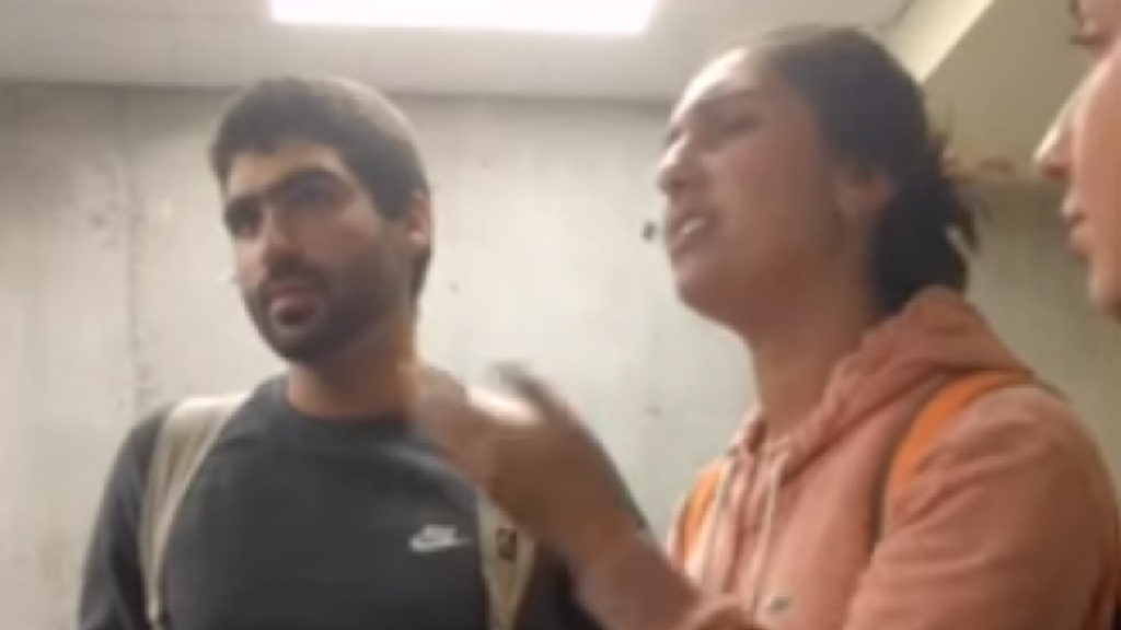 Leftist protesters storm university's College Republicans meeting, 3 arrested