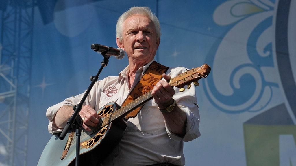 Country music singer Mel Tillis, whose career spanned 6 decades, was 85
